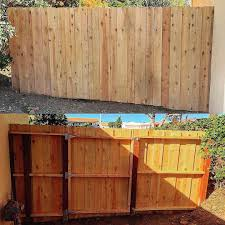 Simple Fence With Hidden Gate Homeimprovement Fence Carpentry Woodwork Fence Home Improvement Wood Fence