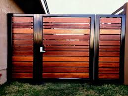 Fences Modern Wooden And Gates Patio Fence Designs Inside Simple Horizontal Mid Century Home Elements Style Privacy Ideas Design Cedar Wood With Trellis Types Of For Backyard Crismatec Com