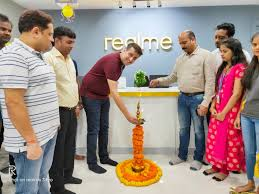 realme Exclusive Service Center (ESC) Now Opened In Pune - realme ...