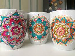 anastasia decorates ceramic plates