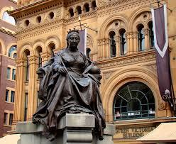 statue of queen victoria sydney