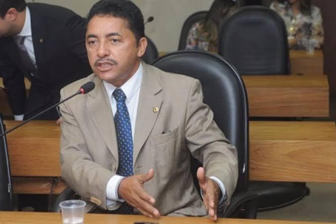 "Resultado de imagem para deputado roberto carlos"""
