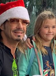 Rock star Bret Michaels grants Bahamian girl's Christmas wish by ...