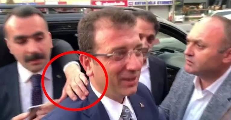 """imamoğlu omuz el ile ilgili görsel sonucu"""""""