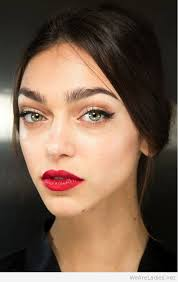 beauty red lips makeup