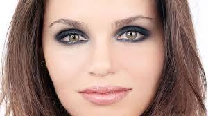 eye makeup look with black eyeshadow