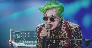 Sanremo 2020, Morgan mette in scena la sua versione di Joker