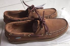 whole women men suede sperrys top
