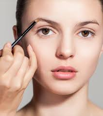 10 langkah makeup natural pas buat
