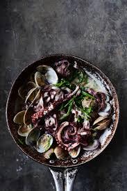 Creamy garlic black pasta with clams ...
