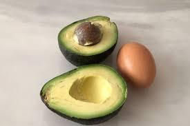 moisturizing avocado and egg hair mask