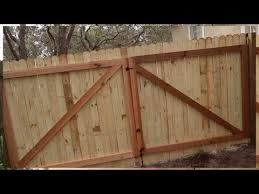 how to build a gate for a wooden fence