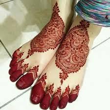 Stylish Modern Leg Finger Mehndi Design