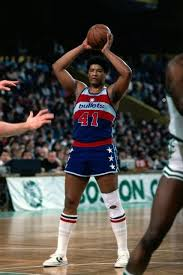 Wes Unseld Amazing the way he could both rebound and do an outlet pass so  quickly.   Basketball players nba, Nba legends, Nba champions