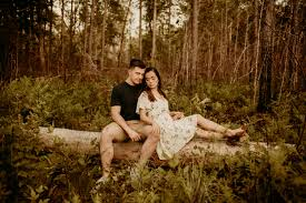 Couple in Forest in 2020 | Photography, Photo, Couples