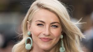 julianne hough shows freckles in makeup