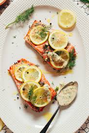 Baked Salmon with Garlic Dill Sauce ...
