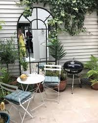 style small spaces courtyard gardens