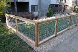 Image Result For Modern Cattle Panel Fence Hog Wire Fence Backyard Fences Building A Fence