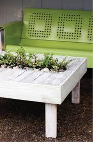 13 diy outdoor side and coffee tables