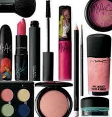 the best makeup kit from your favorite