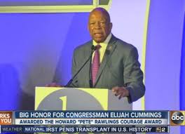 Congressman Elijah Cummings receives public service award [Video]