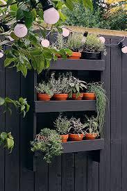 31 Best Garden Fence Decoration Ideas And Designs For 2019 31 Best Gan Fence Decoration As And Desi In 2020 Small Herb Gardens Vertical Herb Garden Herb Garden Design