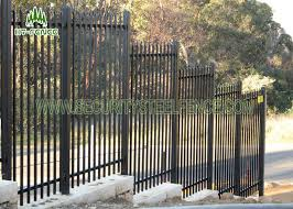 Black Spear Top Galvanized Welded Wire Fence 65 65mm Post For Railway