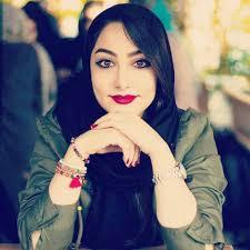 في السينما أغمضت عينيها خوفا من فيلم صور بنات وشباب فيكه