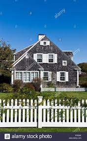 White Picket Fence House New England High Resolution Stock Photography And Images Alamy