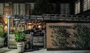 Barcelona Wine Bar Won't Dehumanize the Restaurant Experience, Pandemic or  Not | FSR magazine