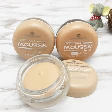 essence soft touch mousse make up 09