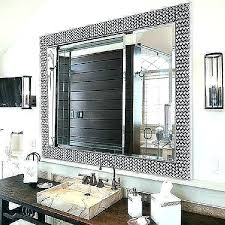 mirror borders bathroom