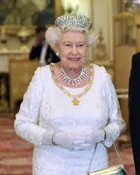 Collezione personale di gioielli della regina Elisabetta II ...