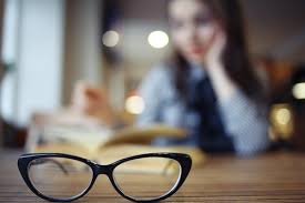 what causes blurred vision icare
