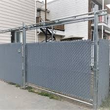 Residential Fences Commercial Fences And Industrial Fences In Laval Inter Clotures Sentinelle