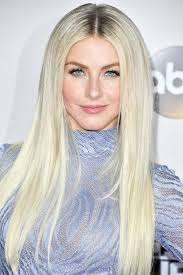julianne hough hair and makeup at the