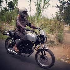 aileen s adventure scrambler moto lady