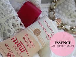 essence all about matt oil free make up