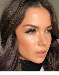 natural makeup for green eyes