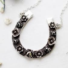 pendant horseshoe pendant necklace