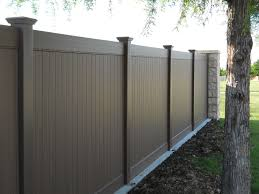 Chestnut Brown Vinyl Fencing Future Outdoors Installs A Quality Product With Our Expert Installers Call Future Vinyl Fence Vinyl Fence Panels Wooden Design