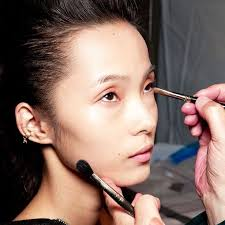 how to prevent concealer from creasing