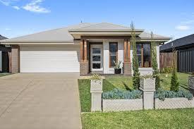 9 Fairmont Boulevard Hamlyn Terrace NSW ...