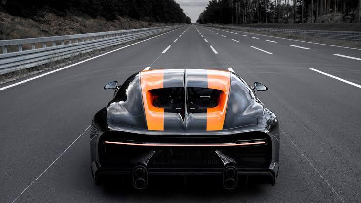 Bugatti Chiron ile ilgili görsel sonucu