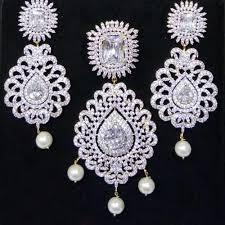heavy design pendant earring set at rs