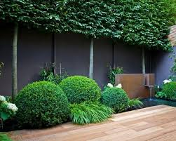 42 Awesome Black Garden Design Ideas Daily Home List Black Garden Fence Garden Fencing Garden Fence