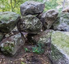 55 big rocks backyard photos free