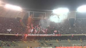 Bari - Catania 1 - 1 ( inno bari + tifo ultras ) - YouTube