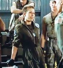 """A thread written by @delaneykingrox: """"Fun aliens Trivia. This is Colette  Hiller, playing """"in the pipe five by five"""" Ferro. You know those [...]"""""""